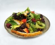 Gaiviosios salotos su vištiena